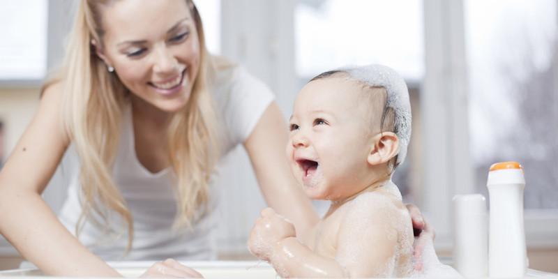 къпане на новородено